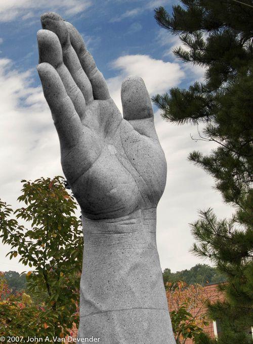 Hand_Thurs 10-11-2007_88-2
