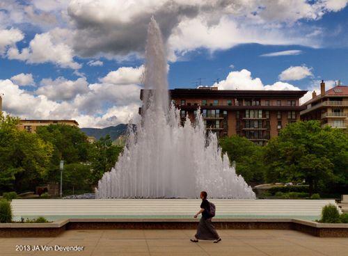 Fountain_Walker_P5293834