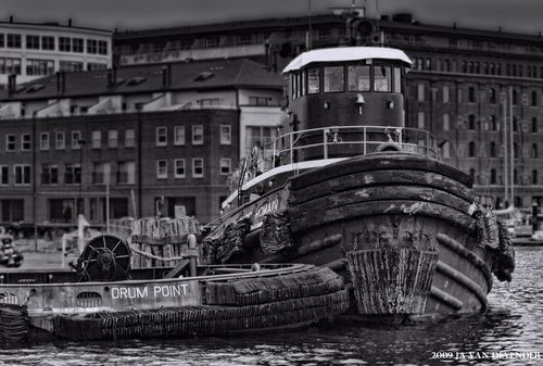 TugBoat2_BWSigned_144972