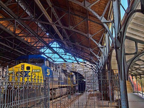 MtRoyalStation_train_P3226194