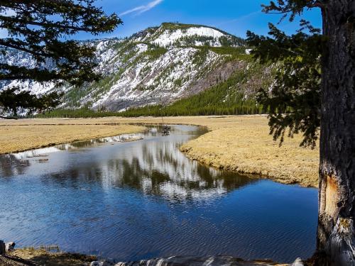 Mountain_River View_P4280097