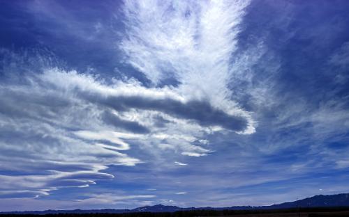 Skies_Hwy20_AshtonID_P4300128